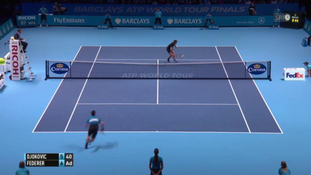 Video «Tennis: ATP Finals, Federer - Djokovic, Satzball 1:0 Federer» abspielen