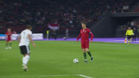 Link öffnet eine Lightbox. Video Ronaldo und Salah duellieren sich im Letzigrund abspielen