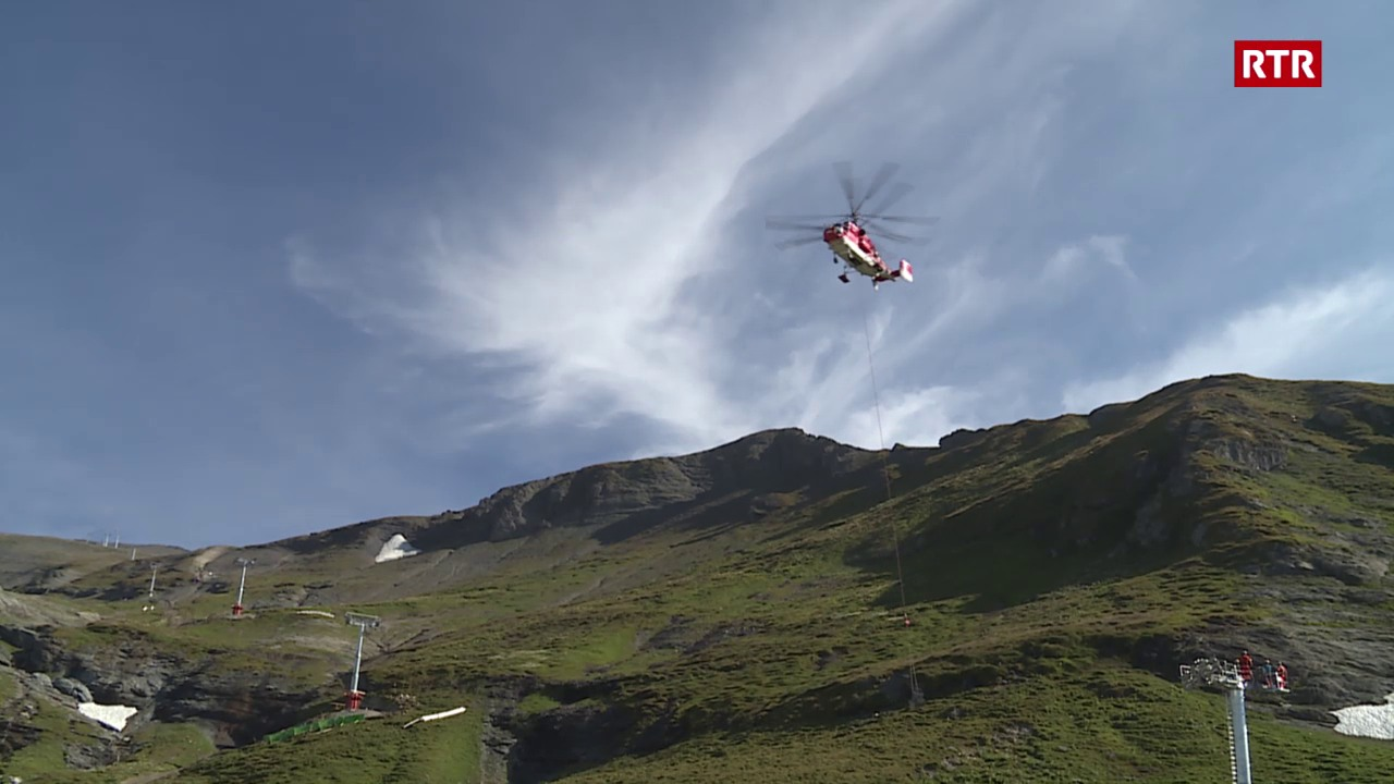 Helicopter Kamov procura per spectacul a Laax