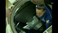 Video «Jelena Serowa: Ankunft mit der Sojus-Kapsel in der ISS» abspielen