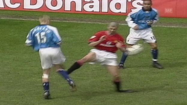 Video «Keane fliegt wegen Brutalo-Foul (23.4.2001)» abspielen