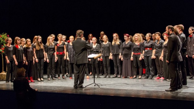 Hörprobe: Schweizer Jugendchor mit «Weischus dü?»
