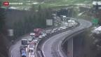 Video «Mehr Verkehr und Stau auf Schweizer Autobahnen» abspielen