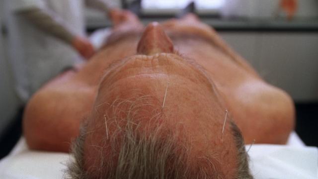 Ein Heilpraktiker in Solothurn muss sofort seine Praxis schliessen, weil er sich nicht an die Corona-Bestimmungen hielt (Symbolbild)