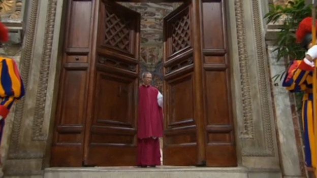 Video «Türen der Sixtinischen Kapelle werden verschlossen (unkommentiert)» abspielen