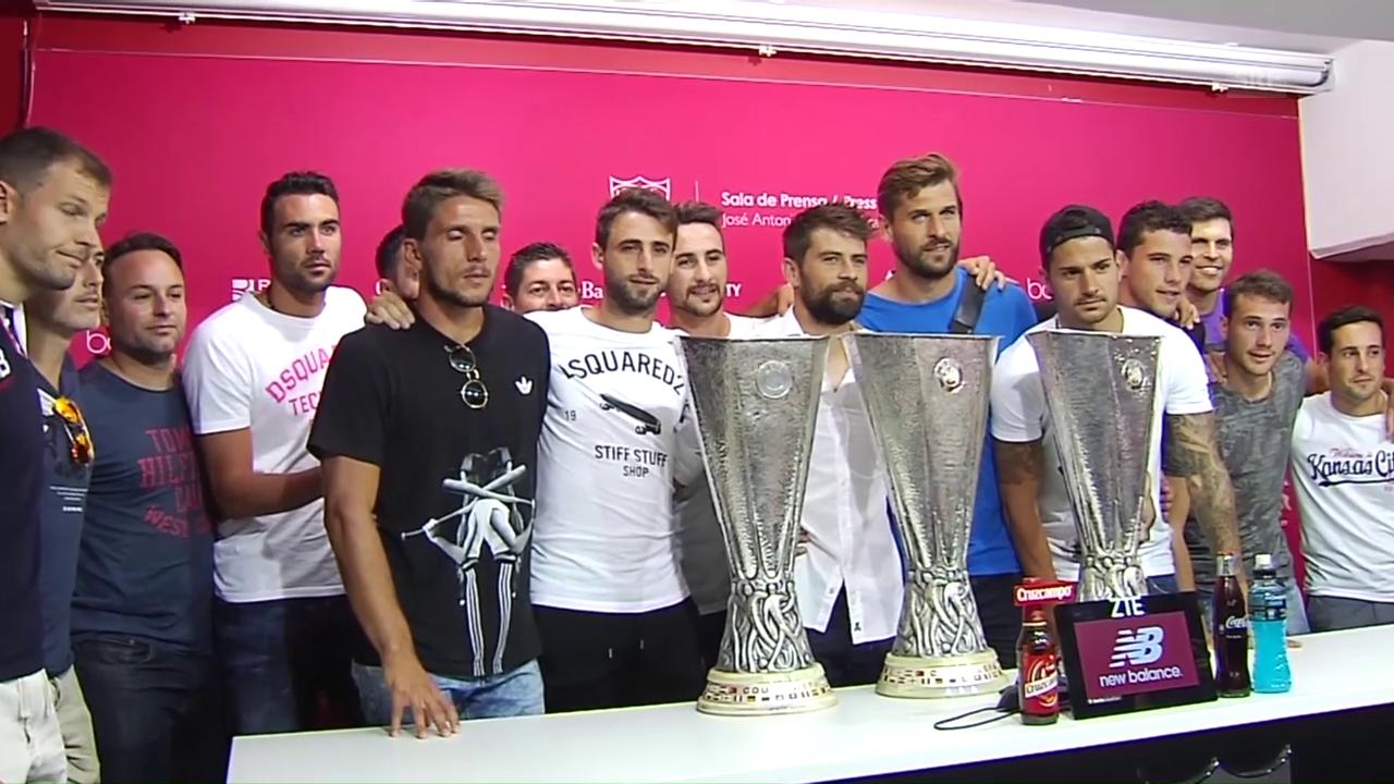 Schalkes Coke weint beim Abschied aus Sevilla (SNTV)