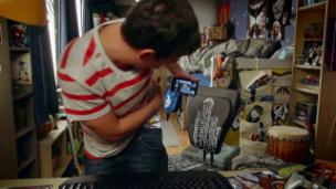 Video ««Oli Mega Vlog» (56): Pickelselfie» abspielen