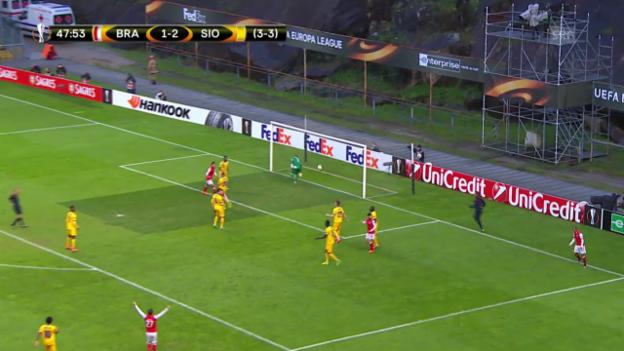 Video «Unglückliches Out für Sion in Braga» abspielen