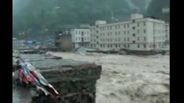 Video «Überschwemmungen in China: Zahl der Toten steigt» abspielen
