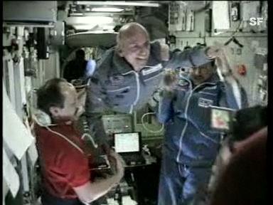 Der erste Weltraum-Tourist dockt bei der ISS an