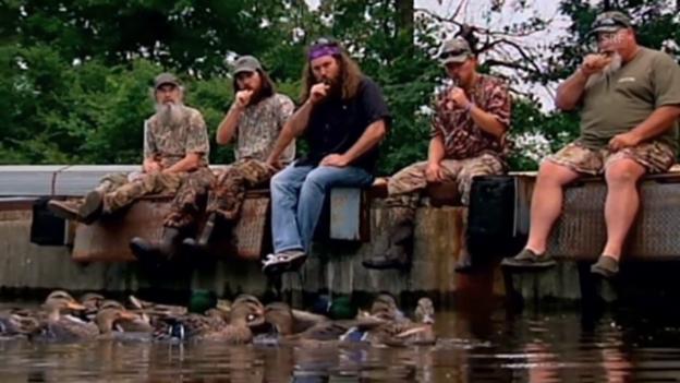 Video «Wenn harte Männer quaken: Szene aus «Duck Dynasty»» abspielen