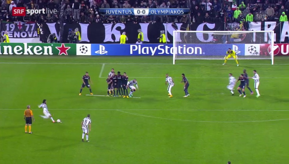 Fussball: Champions League, Andrea Pirlos Freistosstor gegen Olympiakos