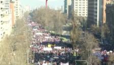 Video «Tausende machten in Santiago ihrer Wut Luft» abspielen