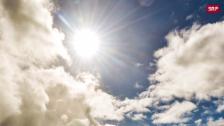 Link öffnet eine Lightbox. Video Sturmböen, Regen und Sonne ergeben atemberaubende Bilder abspielen