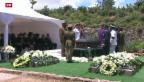 Video «Nelson Mandela zuhause beerdigt» abspielen