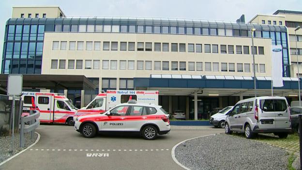 Video «Polizeieinsatz in Dübendorf» abspielen