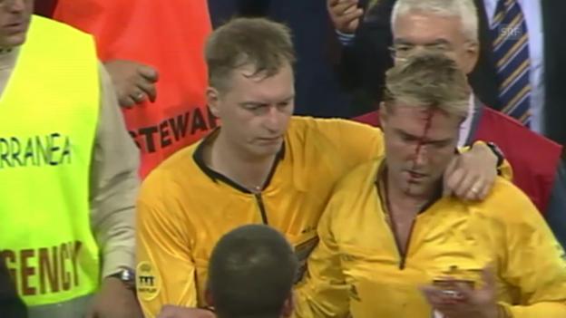 Video «14.09.2004: Spielabbruch bei AS Roma-Dynamo Kiew» abspielen