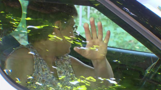 Video «Vorsicht Falle: Sicherheitssystem sperrt Insassen im Auto ein» abspielen