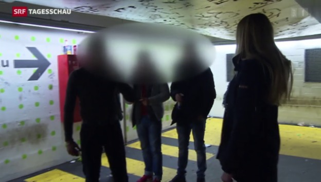 Video «Weniger Jugendgewalt dank polizeilichen Jugenddiensten» abspielen