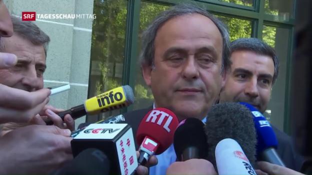 Video «Platini kündigt seinen Rücktritt an» abspielen