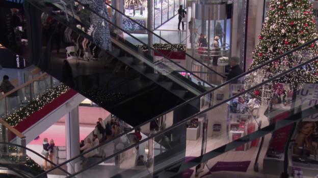 Video «Zoff im Detailhandel: Sonntagsverkauf laugt Angestellte aus» abspielen
