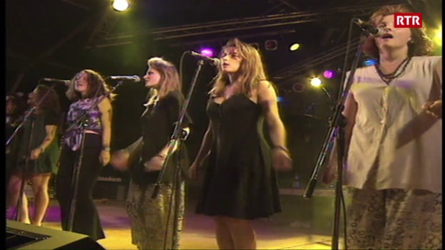 Laschar ir video «Gruppas indigenas al open air Lumnezia»
