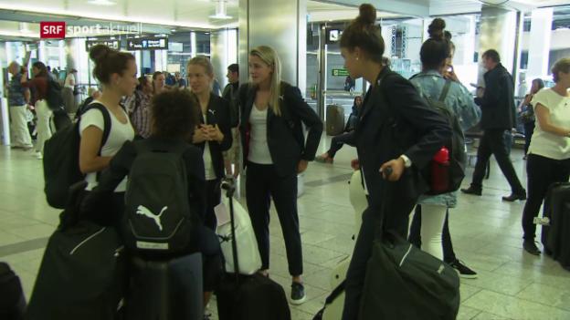 Video «Die Frauen-Nati ist zurück in der Schweiz» abspielen