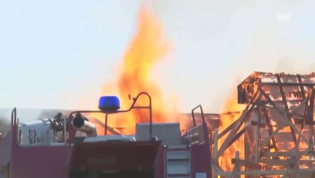 Video «Kulissen in den Barrandov-Studios in Flammen (unkommentiert)» abspielen