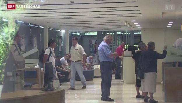 Video «Banken in Griechenland öffnen wieder» abspielen