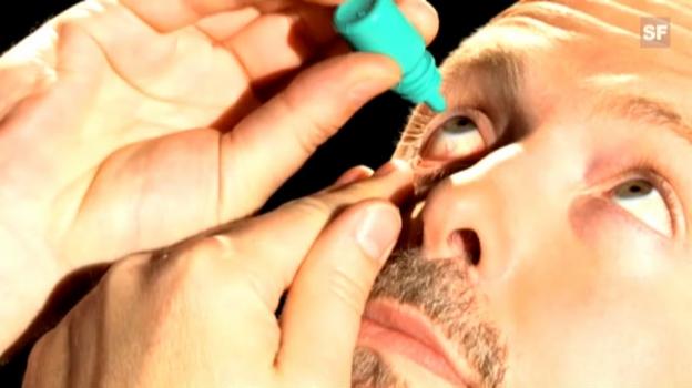 Video «Wie verwende ich Augentropfen richtig?» abspielen
