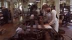 Video «Produktionssteigerung und ein neuer Gastarbeiter» abspielen