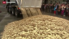 Video «Fünf-Räppler auf dem Bundesplatz» abspielen