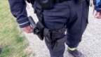 Video «Gewalt gegen Polizisten» abspielen
