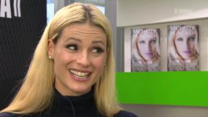 Video «Michelle Hunziker gab Sekte 2 Millionen Franken» abspielen