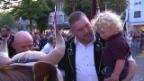 Video «Ein frenetisches Willkommen für Christian Stucki» abspielen