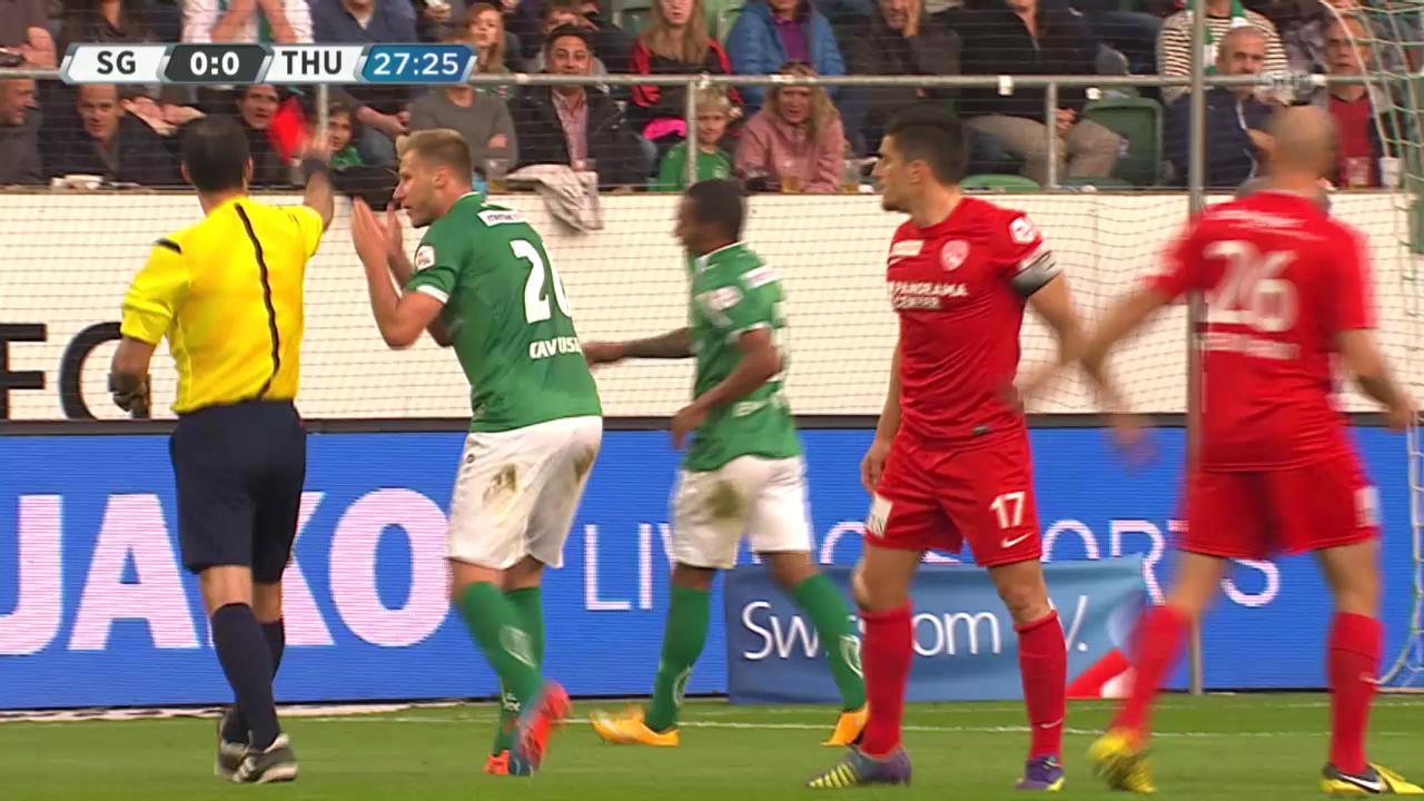 Fussball: Super League, FCSG - Thun, Platzverweis Everton