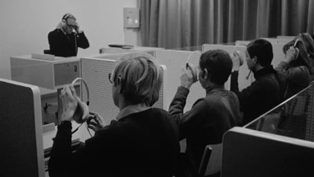 Video «Archivperle: Sprachlabor in Basel (1968)» abspielen