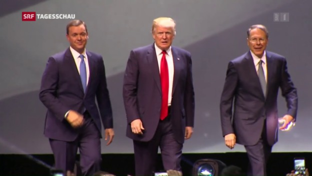 Video «Liasion dangereuse? Trump und die Waffenlobby» abspielen