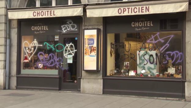 Video «Schäden nach unbewilligter Demo in Genf» abspielen