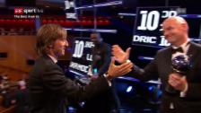 Link öffnet eine Lightbox. Video Fifa-Präsident Infantino überreicht Modric die Trophäe abspielen