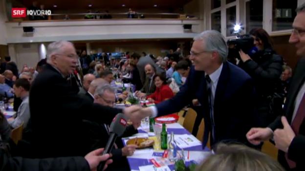Video «Minder und Blocher kreuzen die Klingen» abspielen