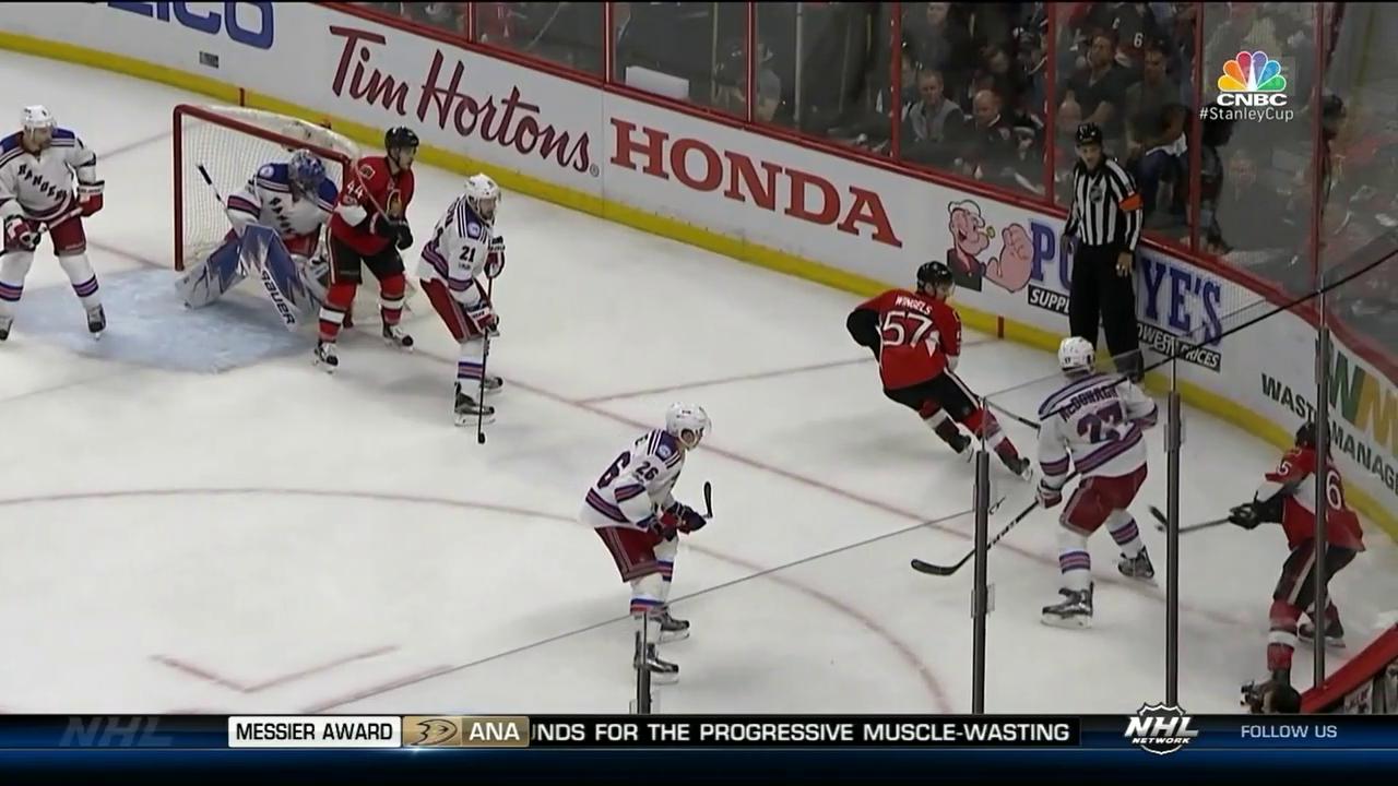 Karlsson trifft aus scheinbar unmöglichem Winkel