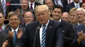 Video «Trump feiert Entscheid zur Abschaffung von «Obamacare»» abspielen