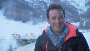 Video ««Die Skilehrer»: Hoppalas mit Simone Donati» abspielen