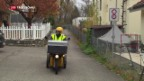 Video «Pöstler holen nicht benötigte Lebensmittel» abspielen