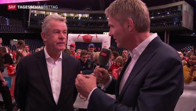 Video «Ottmar Hitzfeld im Gespräch mit Franz Fischlin» abspielen