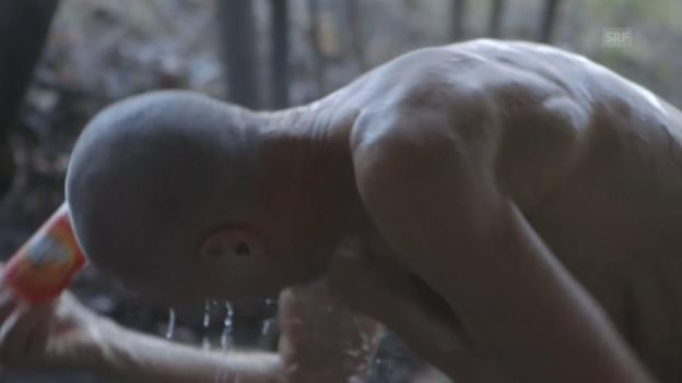 Video «Waschritual» abspielen