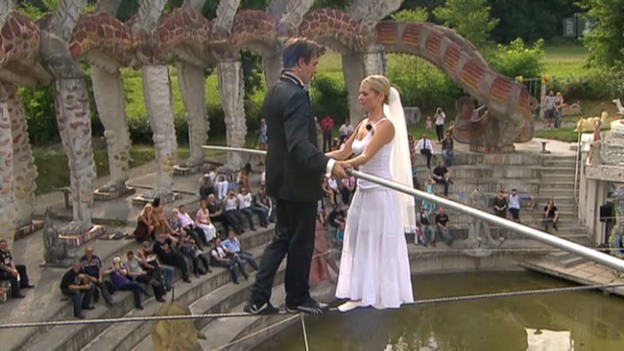 Video «Freddy Nock heiratet seine Ximena» abspielen
