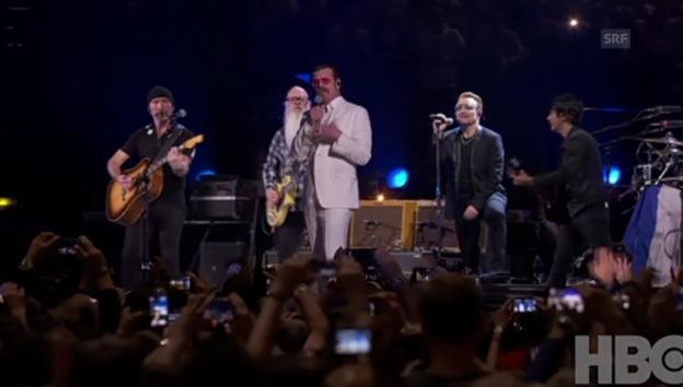Video ««U2» spielen mit den «Eagles of Death Metal» in Paris» abspielen