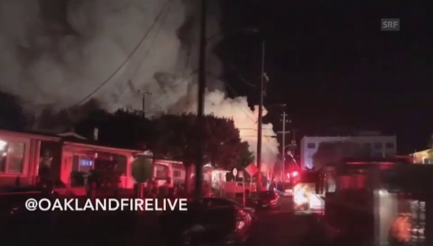Video «Flammeninferno in Oakland (unkomm.)» abspielen